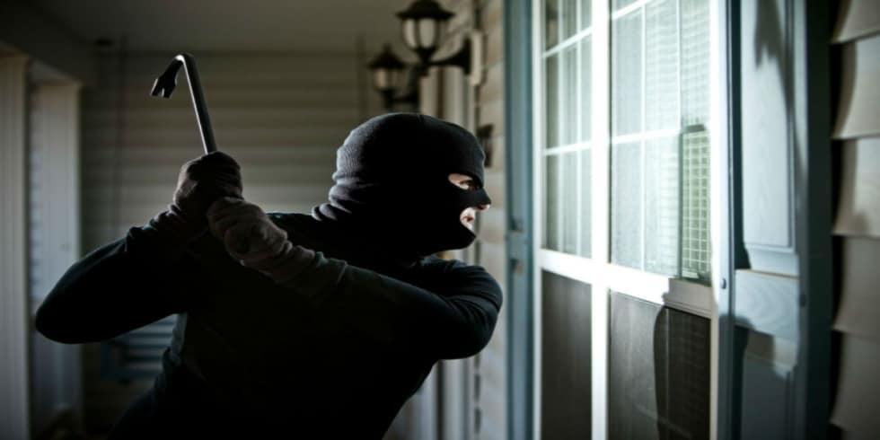 cửa kính cường lực có chống trộm được không
